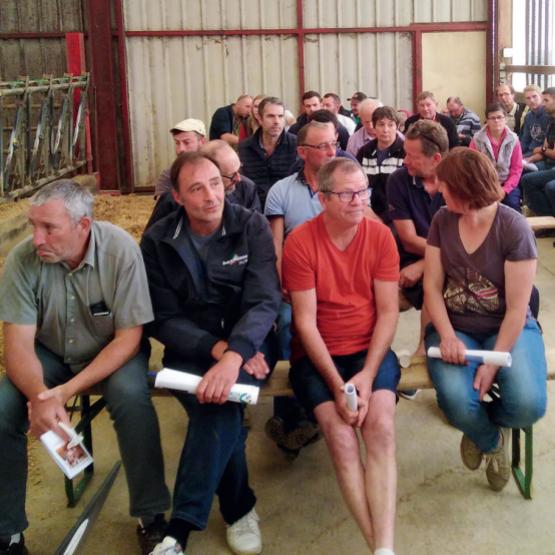 Les éleveurs du département ont retrouvé la convivialité lors de l'assemblée générale du syndicat Prim'Holstein le 23 juin. Photo : DR