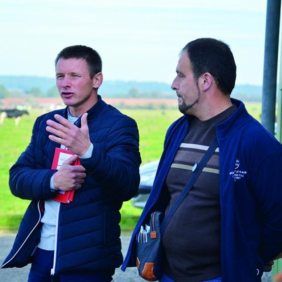 Florent Cressot, président de la FDPL 52 et Arnaud Laurent, président de l'OP livrant Savencia, tirent la sonnette d'alarme : «il faut un prix rémunérateur».