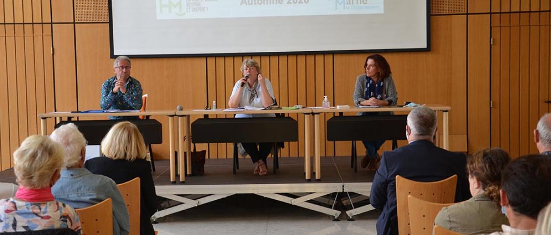 Pour Brigitte Fischer-Patriat (au micro), la Haute-Marne tire son épingle du jeu en 2021, car le tourisme vert est de plus en plus attractif.